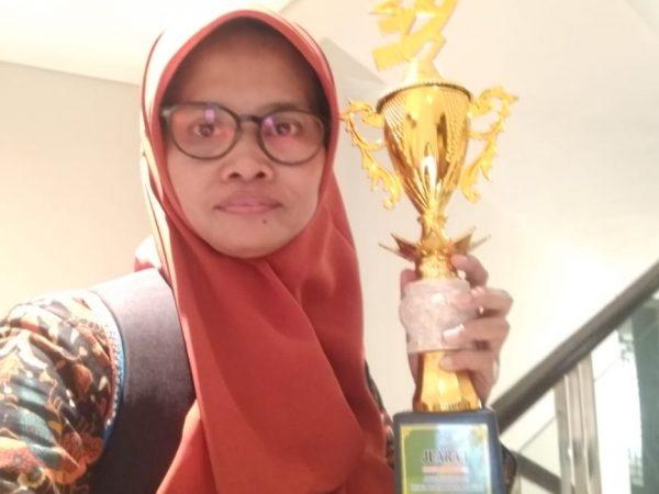 Guru MTsN 9 Ngawi Sabet Juara 1 Laboran Se Jawa Timur